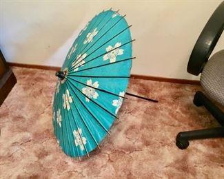 Vintage Asian Umbrella $15 Nice!