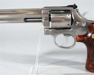 Smith & Wesson Model 686 .357 MAG 6-Shot Revolver SN# AHS8244, In Hard Case