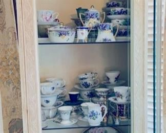 Assorted pieces of Nippon china.
