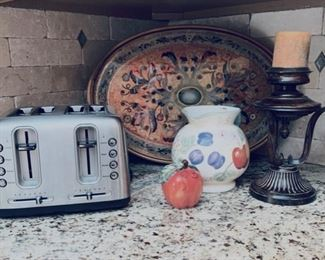 Toaster and kitchen items.