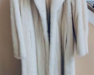 Sm. size mink coat.