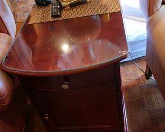 37   lamp  table  28  x  19
