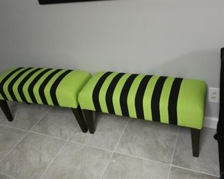 118   green and  black  bench            119  green  and  balck  bench-   there  are  three  total