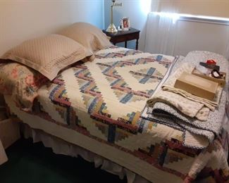 Full bed and quilt