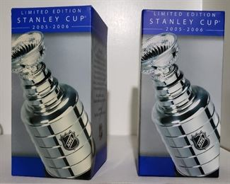 125. Lot S125 (0234.jpg) - – pair NHL Stanley Cup 2005-2006, Limited Edition.