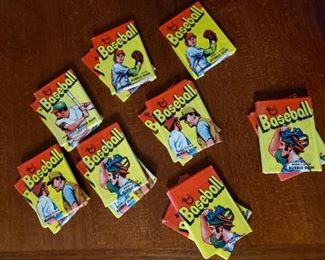 1972 Topps baseball pack, 16 available  These packs have been previously opened.Sorry, the gum is gone .... lol!
