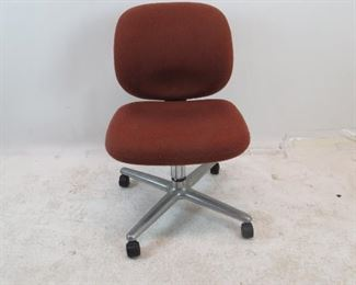 """ITEM 142---Herman Miller upholstered swivel chair. 21"""" wide, 26"""" deep, 32"""" high. 18"""" to seat. $100"""