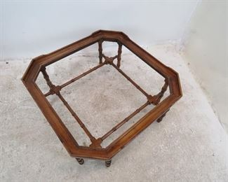 Lane faux bamboo and beveled glass coffee table. minor surface marks. PIC 3