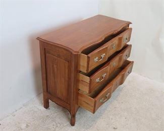 """Ethan Allen """"Legacy""""  carved french serpentine 3 drawer dresser / chest. PIC 2"""