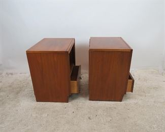 ITEM 307-- Pair of MCM nightstands by Unagusta. holes in back for cords. PIC 3
