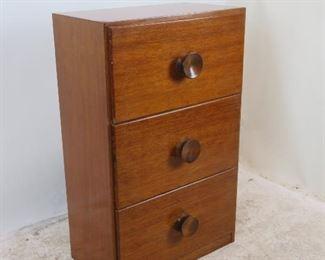 ITEM- 310-- 3 drawer dresser chest. Has no back. PIC 2