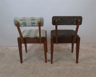 ITEM 370-- 2 MCM sewing chairs with storage seat. 1 Singer label. PIC 3