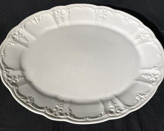 AMORA White Toned Porcelain Serving Platters