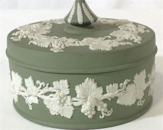 Green Wedgwood Bowl w/ Lid, Grapevine, England