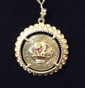 Gold Tone 'Dearest Mother' Medallion Pendant