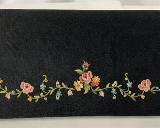 Vintage Embroidered Clutch Purse
