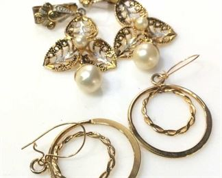 Lot 2 Gold Tone Earrings