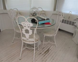 Vintage White Iron Dining Suite