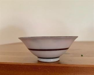 Side view of bowl