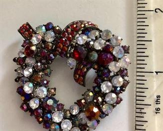 $22 Vintage heart shaped rhinestone pin