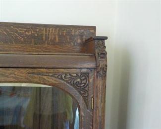 Bookcase detail