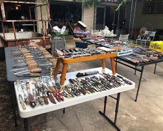 Hundreds of American pocket knives, kitchen knives, butcher, knives, sabers, military knives.