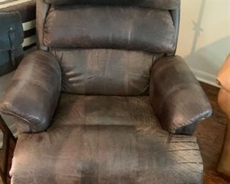 $475- Comfy La-z-boy custom upholstered patchwork leather Manual recliner