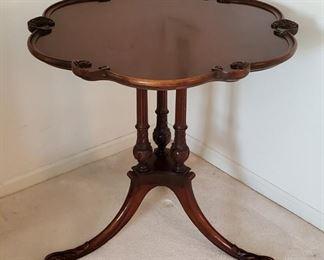 Beautiful vintage mahogany piecrust table