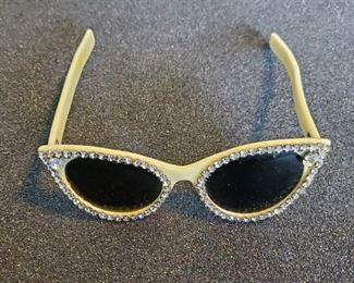 Vintage 1950s rhinestone cat eye sunglasses