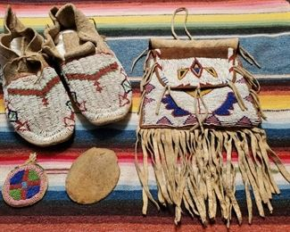 Shoshone Indian beadwork with provenance