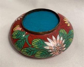 C107  Bottom view of bowl