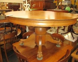 ANOTHER CLAWFOOT ROUND SOLID OAK TABLE