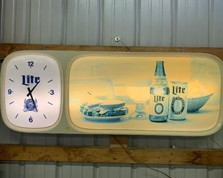 Lite Beer lighted sign