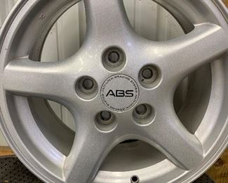 1995 - 96 Pontiac Trans Am wheel