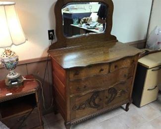 Antique Oak Dresser / Commode. Beveled Glass mirror.