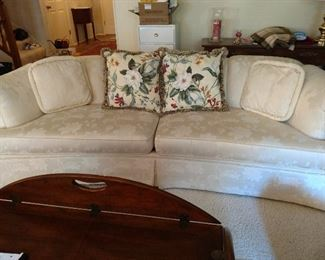 Davis & Shaw Heritage Drexel furniture couch with Ivory upholstery
