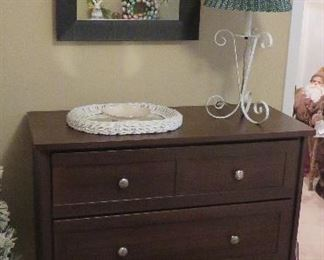 Dresser, mirror, wicker mirror, Lenox, lamp