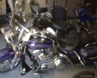 2002 HARLEY LRS PURPLE ROAD KING IS IN AHWATUKEE AND READY TO GO AFTER JULY 4TH WITH TITLE. VIN NUMBER 1HD1PDC322Y953468. 27k miles SERIOUS BUYERS TEXT OR CALL (480) 225-2612. $10500