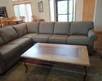 KING HICKORY SECTIONAL QUALITY CRAFTSMANSHIP / NEUTRAL EARTH TONE  TWEED  SLATE & IRON COFFEE TABLE