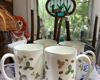 Wedgwood Wild Strawberry coffee mugs (4)