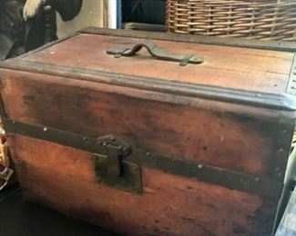 Antique 18' x 12' x 12' trunk with leather handle