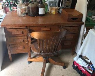 Oak desk with rolling Oak desk chair