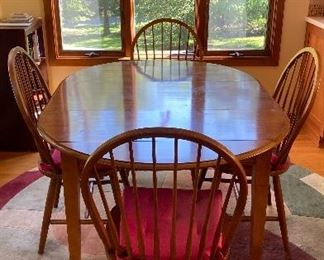 20% off of $345 Ethan Allen table & 4 chairs, round, drop-leaf, w/extra leaf