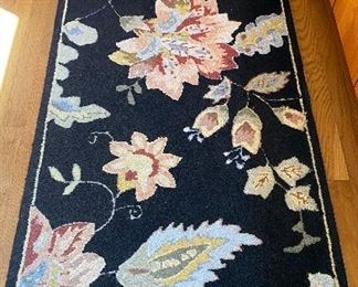 """20% off of $55 Floral rug 2'6"""" x 6'  1 of 2"""