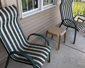 Very nice patio furniture !