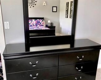 Black bedroom set black dresser with mirror sleigh bed night stand chest of drawers
