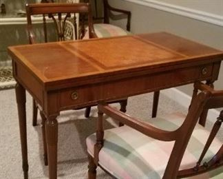 Lovely game table with 4 chairs