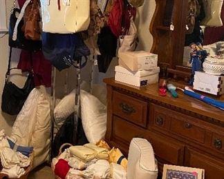 Dresser, Assorted Household Items