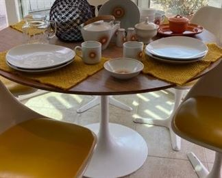 MCM TULIP TABLE & TULIP CHAIRS