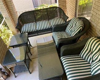 Incredible patio/porch furniture!!!